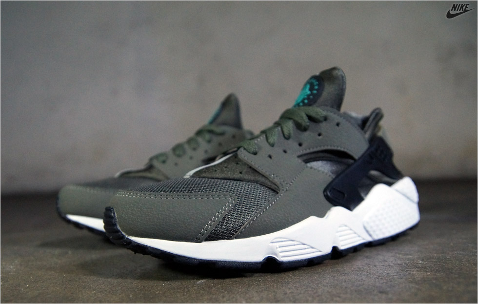 a5c819dd224a Foam Nike Shoes For Men In Yellow Dress Huarache Nike Wolf Gray And ...