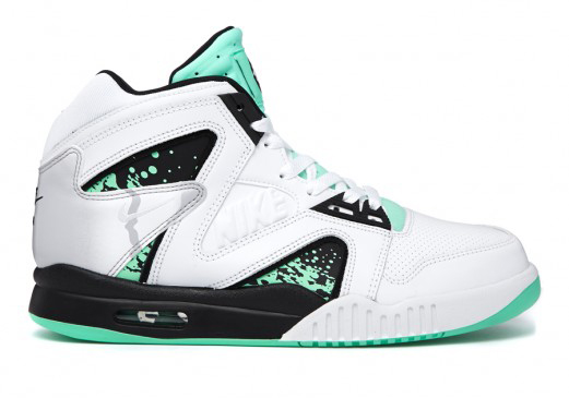 nike-air-tech-challenge-hybrid-green-glow