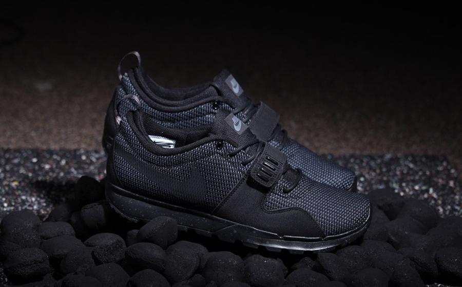 nike sb trainerendor black dark grey le site de la sneaker. Black Bedroom Furniture Sets. Home Design Ideas
