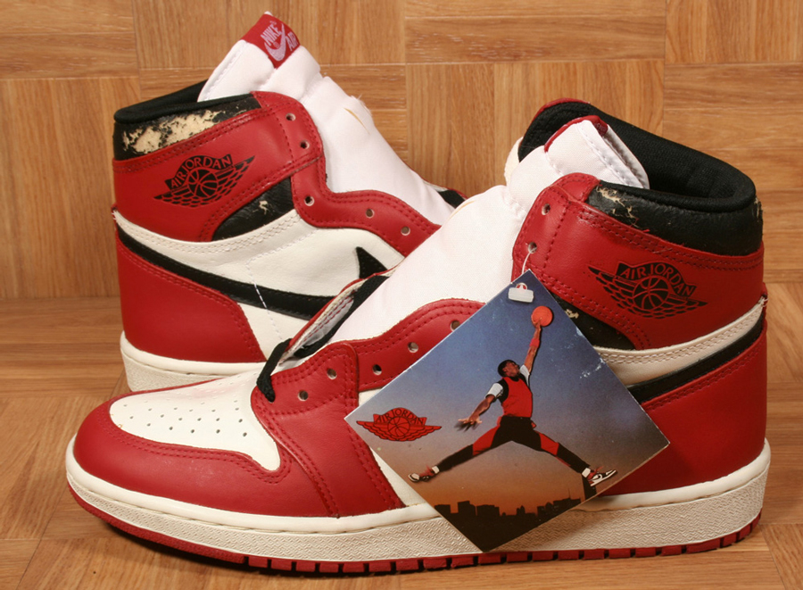air-jordan-1-og-chicago-bulls-1985-unlaced
