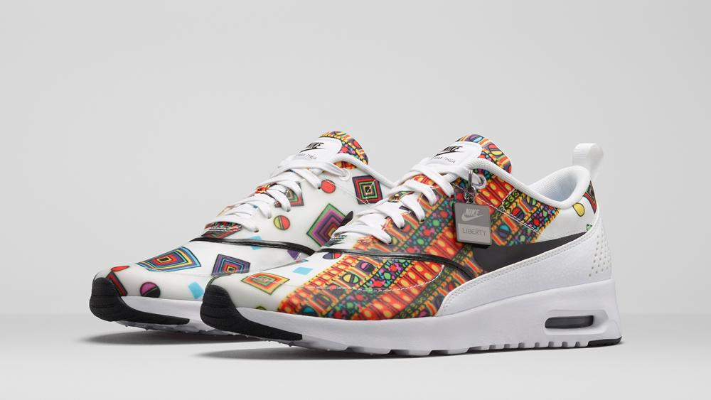 Nike Thea Blanche Motif