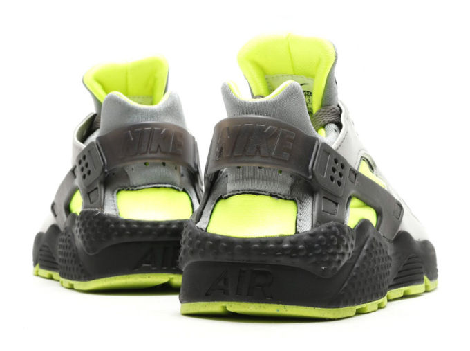 nike,air,huarache,dust,volt,318429,019,03