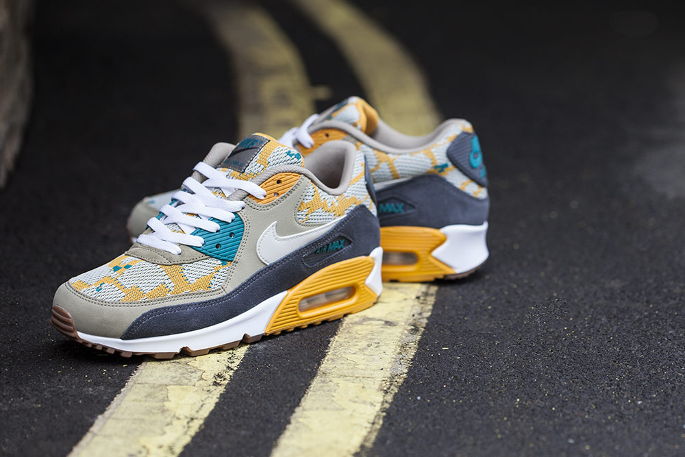 nike air max 90 gold light bone 2