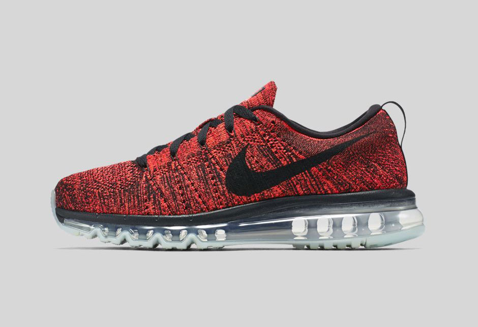 Nike Flyknit Air Max Bred