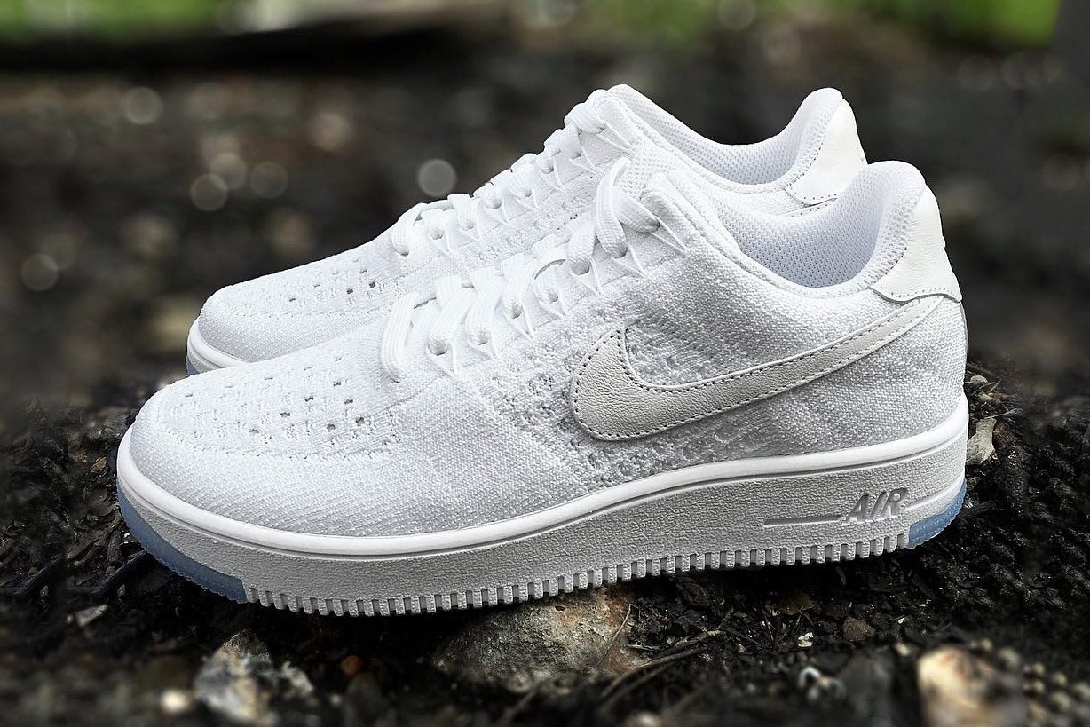 nike air force 1 flyknit low white ice preview le site de la sneaker. Black Bedroom Furniture Sets. Home Design Ideas