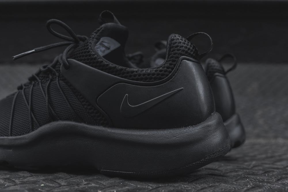 promo code e855f 6c7d6 ... nike darwin triple black 6  chaussures nike darwin noir verte footkorner  ...