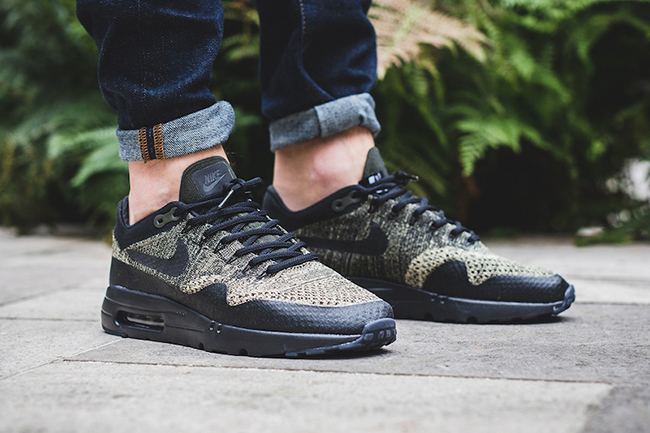 http://www.lesitedelasneaker.com/wp-content/images/2016/10/nike-air-max-1-ultra-flyknit-neutral-olive-1.jpg