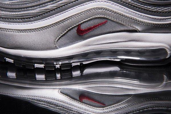 Le retour de la nike air max 97 silver bullet en italie for Nike official site italia