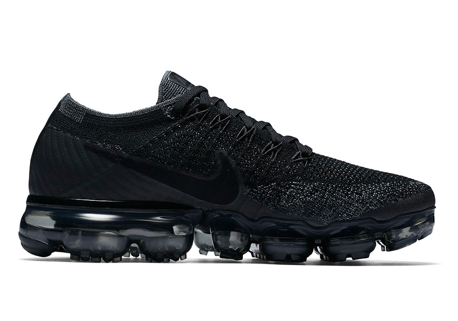 nike air vapormax triple black date de sortie release date. Black Bedroom Furniture Sets. Home Design Ideas