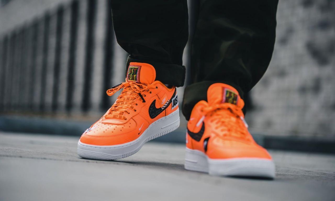 """Nike Air Force 1 '07 PRM """"Just Do It"""" Orange - Le Site de la Sneaker"""