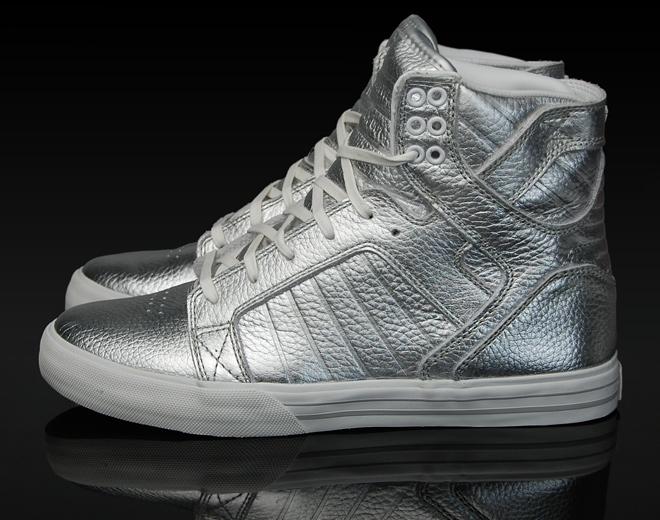 supra-footwear-skytop-silver-2.jpg