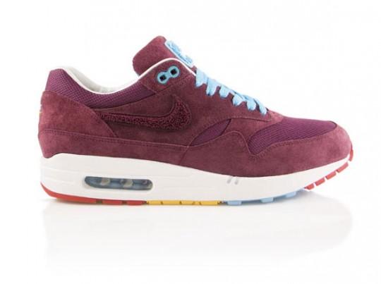 huge discount f07dd c55e0 Voici de nouvelles images pour cette collaboration entre Nike et Parra dont  on vous a parlé il y a peu de temps. La paire sortira officiellement le 13  mars ...