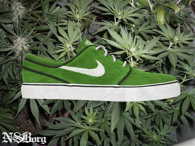 nike-sb-janoski-festive-green