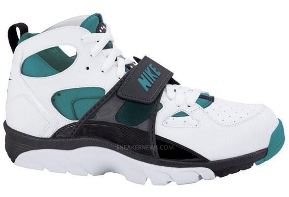 Nike Air Trainer Huarache Coloris Eté 2011 - Le Site de la Sneaker