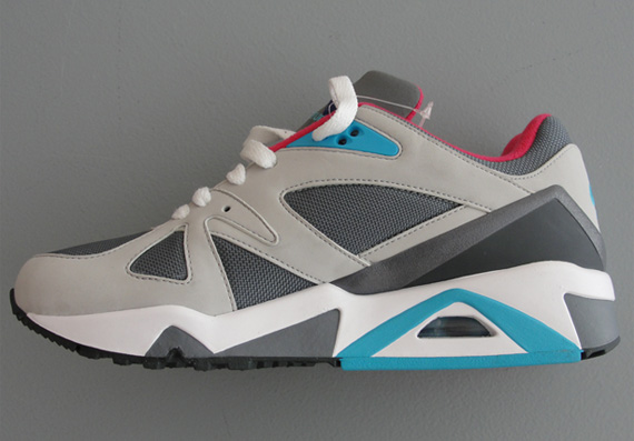 5174f45726f7 Nike WMNS Air Structure Triax  91 Cool Grey-Ink-Tech Grey - Le Site ...