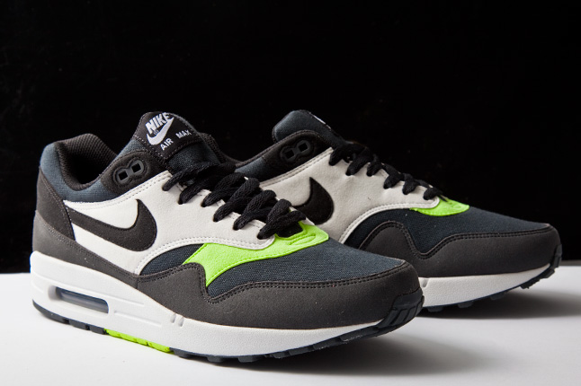 Nike Air Max 1 Black-Anthracite-Volt-White - Le Site de la Sneaker 1f2b834fce