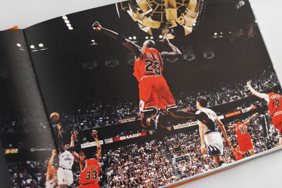 Livre Nike Basketball  Beyond The Court  - Le Site de la Sneaker 9e4b33f82d85