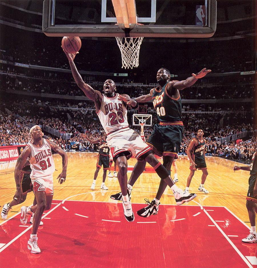 super popular e5a48 d9dcc Rétrospective: Michael Jordan x Air Jordan 11 Concord - Le ...