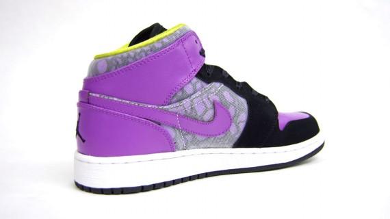 Air Jordan 1 Phat GS. Coloris  Black Violet Pop-Cyber  Style  364781-018   Prix  75€  Tailles  du 35.5 au 38.5 7f9eaa54e