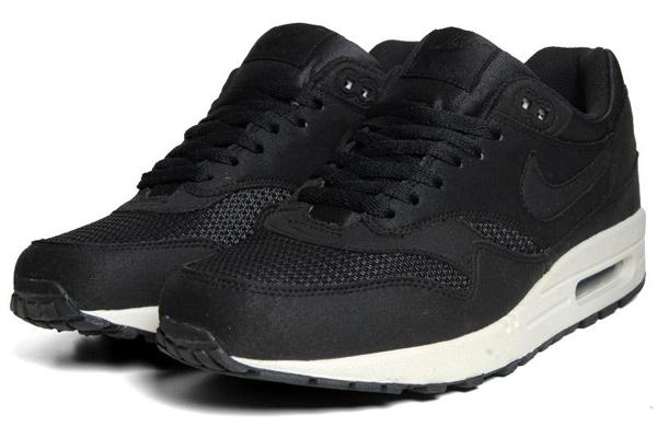 03d1dc55efd Nike Air Max 1 Black - Le Site de la Sneaker
