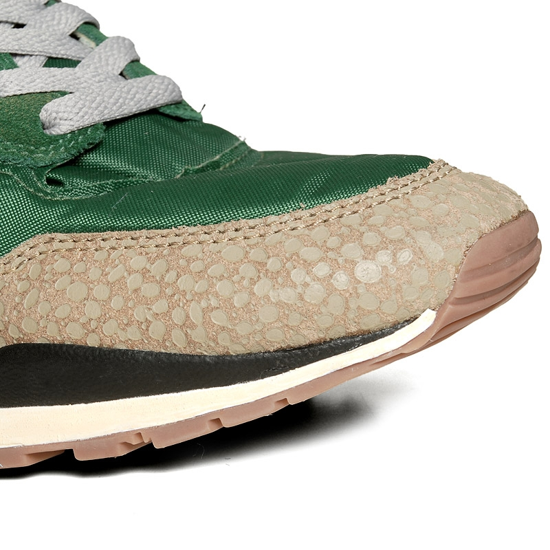 1db82ccd8518 nike air safari vntg gorge green and bamboo