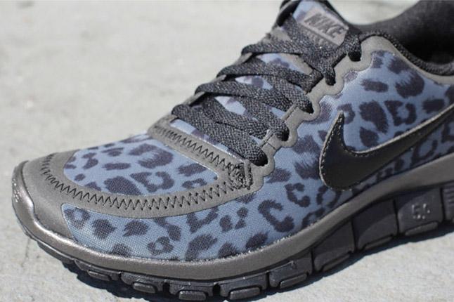 nike free leopard blanche