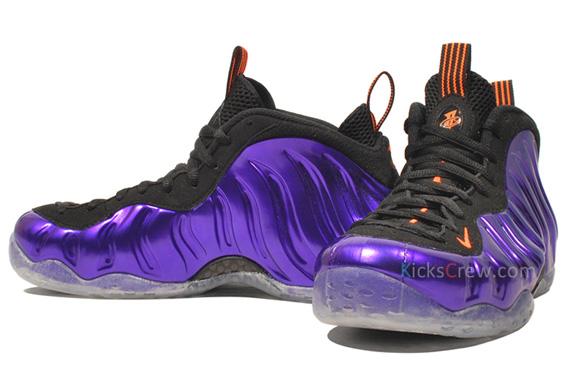 d02812ddc45 Le sneakers sortiront officiellement le samedi 2 Mars 2013 au prix de  retail de 220  USD. Elles seront disponibles sur le Nikestore dans la nuit  du vendredi ...