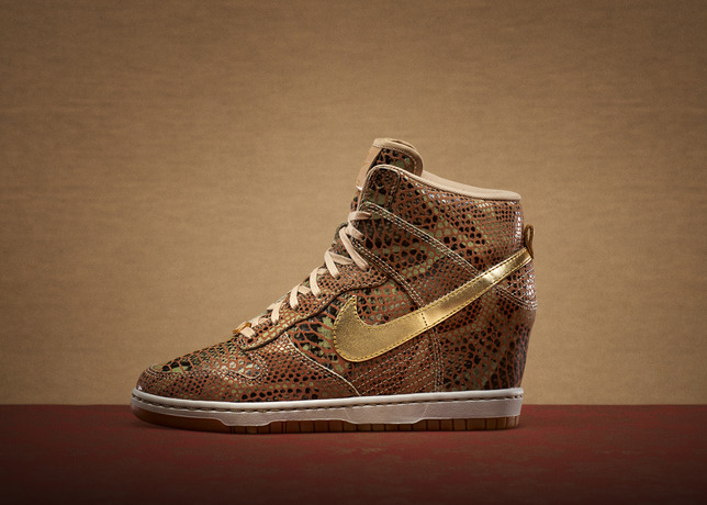nike-dunk-sky-high-year-of-the-snake-1