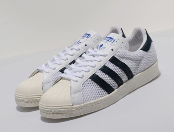 Le adidas Originals Superstar 80's Mesh Pack est maintenant disponible sur size? au prix de £65 (environ 77€).
