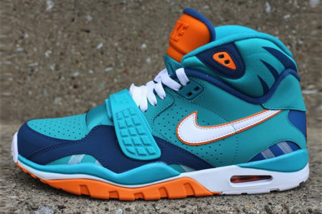 nike-air-trainer-sc-ii-qs-nfl-miami-dolphins-1