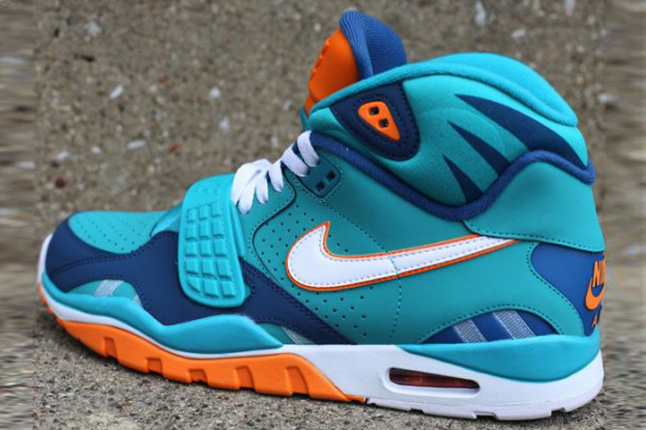 nike-air-trainer-sc-ii-qs-nfl-miami-dolphins-3
