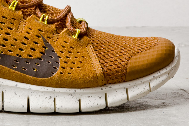 Nike Free Powerlines Brun Amande