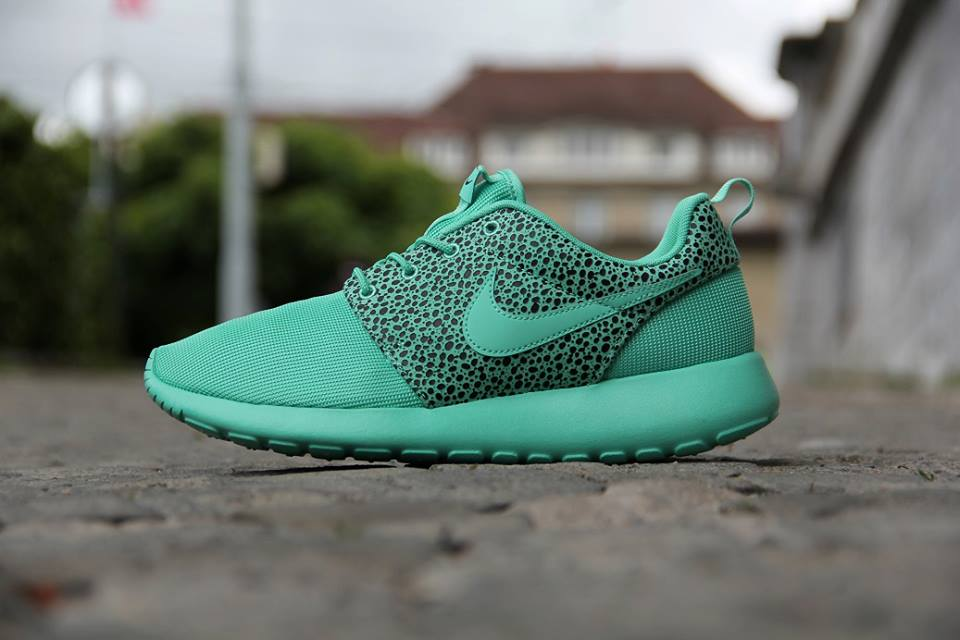 Nike Rosherun Premium 'Safari'