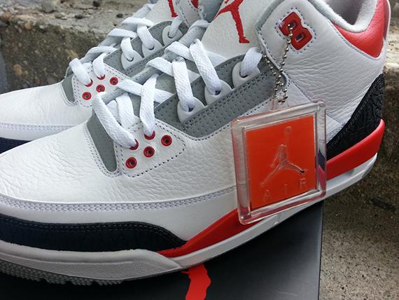 de nouvelles 3 Site Sneaker Fire Red la Le photos Air Jordan gyYb6f7