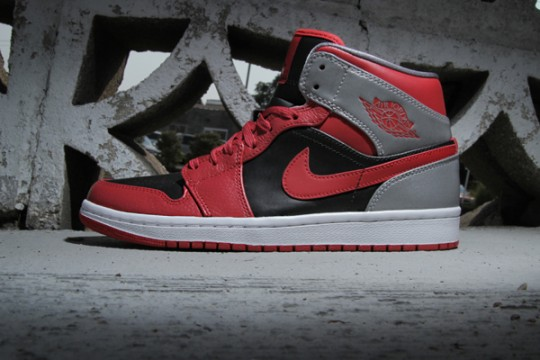 air-jordan-1-mid-fire-red-black-cement-1