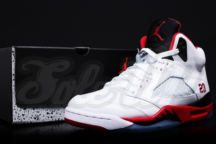 air-jordan-v-fire-red-2013-retro-02