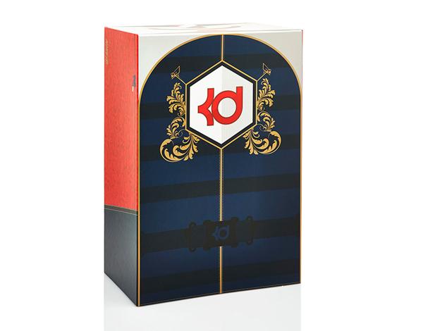 Découvrez les photos dans la suite et personnalisez votre propre paire sur  NIKEiD au prix de 180€.Kevin Durant sera à Milan le 6 septembre, ...
