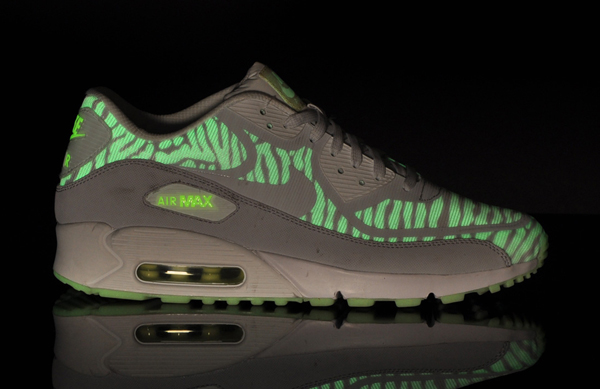 nike-air-max-CMFT-90-prm-tape-4