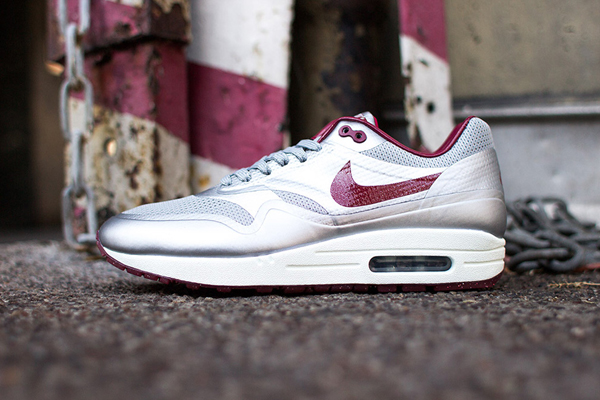 reputable site f0211 9c031 Nike Air Max 1 Hyperfuse QS  Coloris  Metallic Silver  Style  633087-004   Date de sortie  24 12 13