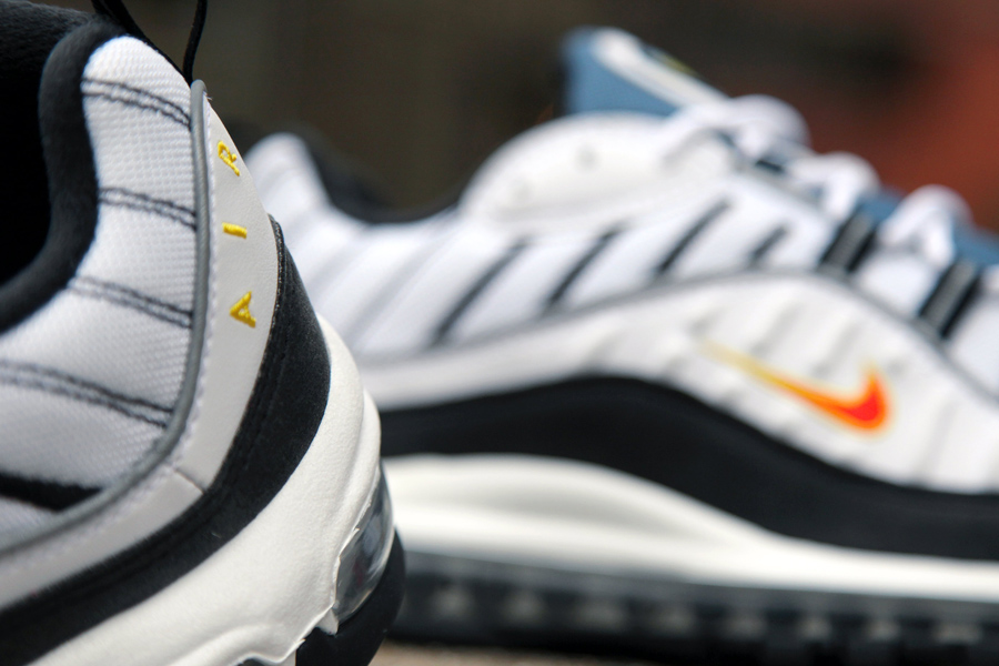 f0afb9e85c3 Nike Air Max 98 OG White Deep Orange Black - Le Site de la Sneaker