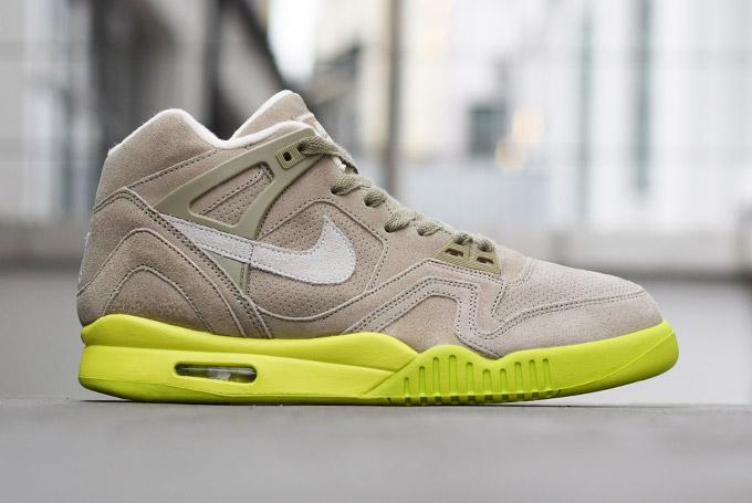 cc81cd588d41 Nike Air Tech Challenge II Suede Bamboo - Le Site de la Sneaker