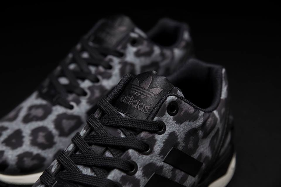 sneakersnstuff x adidas originali zx flusso teaser