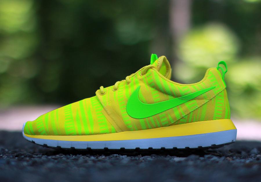 pas cher pour réduction 7ef5a 9c83a Nike Roshe Run NM Charm Yellow - Preview - Le Site de la Sneaker