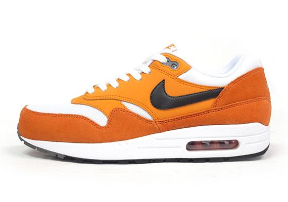 magasin en ligne 54b90 a3e09 Nike Air Max 1 White Orange Black - Preview - Le Site de la ...