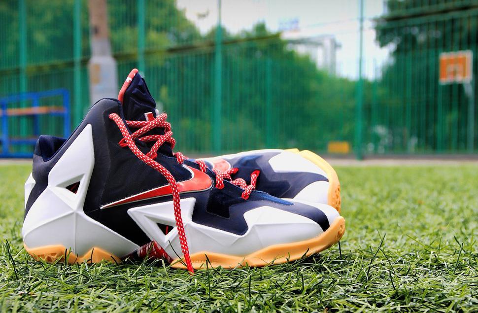 Nike LeBron 11 Independence Day - Le Site de la Sneaker f0d16ccf01