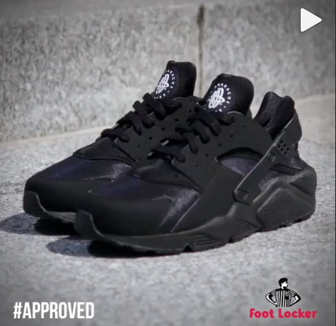 nike air huarache triple black le site de la sneaker. Black Bedroom Furniture Sets. Home Design Ideas