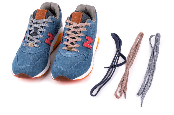 Capsule x New Balance MT580 Canadian Tuxedo - Le Site de la Sneaker