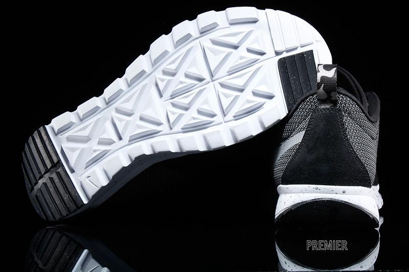 huge discount d2917 96fb1 nike-sb-trainerendor-black-white-metallic-silver-4