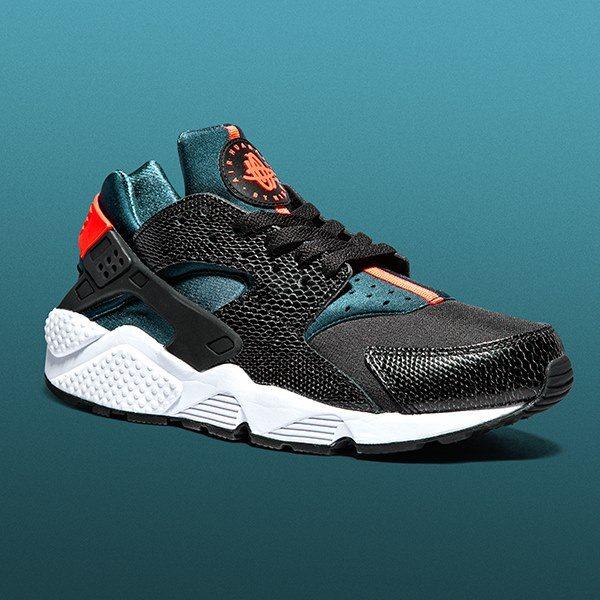 sports shoes 30875 78752 Que pensez-vous de cette Nike Air Huarache Black Space Blue-Hyper Crimson   Donnez votre avis ci-dessous.