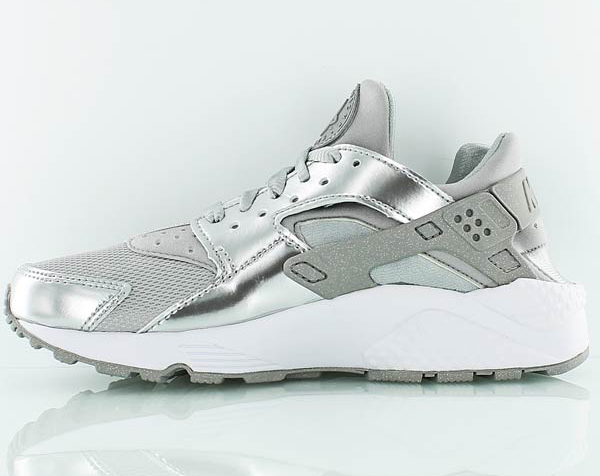 reputable site f10e6 dcc37 nike-wmns-air-huarache-metallic-silver-4.jpg